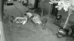 A Man In Ludhiana Has Been Caught On Cctv Attempting To A Kidnap A Four Year Old Child