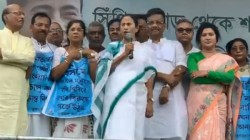 Mamata Banerjee Attacks Narendra Modi For His Comments On Cow And Om On Wednesday