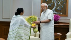 Excepting Flower Bouquet Mamata Banerjee Also Gifts Modi Another Two Things