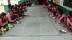 Mid Day Meal Not Served To Students In Midnapore