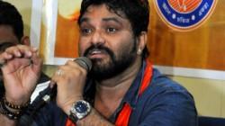 Babul Supriyo Identifies Ju Students Who Harrased Him See Tweets