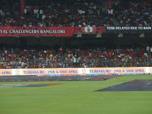 IPL 10: বৃষ্টিতে ভেস্তে গেল ব্যাঙ্গালোর ও হায়দ্রাবাদের ম্যাচ