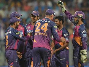 IPL 10 : পুনের কাছে ৬১ রানে হারল ব্যাঙ্গালোর
