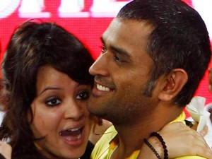 How Sakshi Reacted After Dhoni Stepped Down As India Captain
