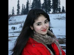Dangal Girl Zaira Wasim Khan Threatened Meeting Mehbooba Mufti Apology On Twitter