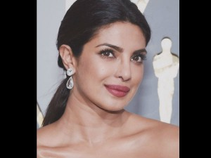 Oscars 2017 Priyanka Chopra S Bold Look At The Red Carpet Has Left Us Gasping For Breath