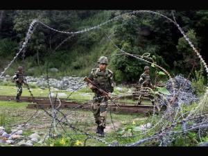 Army Kills 2 Bat Attackers Uri As It Foils Ambush Pak Troops Loc