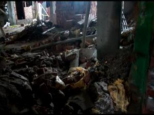 Rape Victim Family Surrounds Ekbalpur Police Station