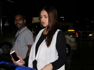 Pregnant Esha Deol Is Getting Married Again