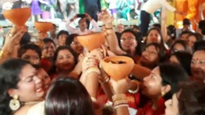 Women Hurdle For Dhunichi Nach In Mohammad Ali Park Durga Puja