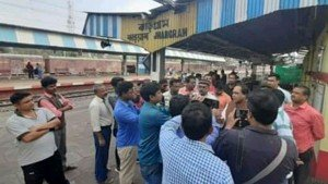 Tmc Mp Kunar Hembram Meets Jhargram Station Manager On Pending Issue