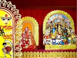 মা সারদা এখানে দেবী দুর্গারূপে পূজিতা, তাই বিসর্জন নয় হয় 'ঘরবদল'
