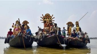 করোনা আবহে এবছর ইছামতীর বুকে নৌকা ভাসান বন্ধ