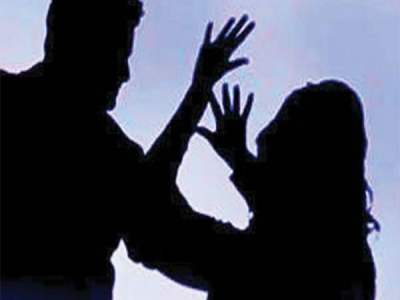 অসম পুলিশি 'নিগ্রহের' ছবি সোশ্যাল মিডিয়ায় ভাইরাল