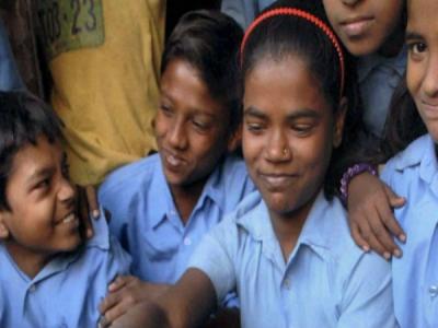 যোগী রাজ্যের স্কুলে রাঁধুনিই শিক্ষিকা