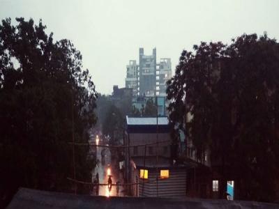 উপকূলে ঘনীভূত নিম্নচাপ! গাঙ্গেয় পশ্চিমবঙ্গে হলুদ সতর্কবার্তা