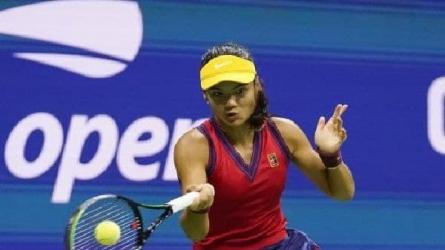 US Open : প্রথম অভিযানেই খেতাব জিতে ১৮ বছরের এমা রাদুকানুর ইতিহাস, রানির শুভেচ্ছা