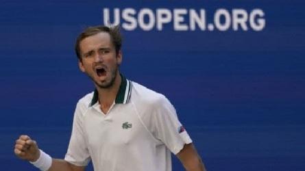 US Open: ইউএস ওপেন খেতাব জিতলেন মেদভেদেভ, হতাশায় জকোভিচের কীর্তি অবাক করবে!