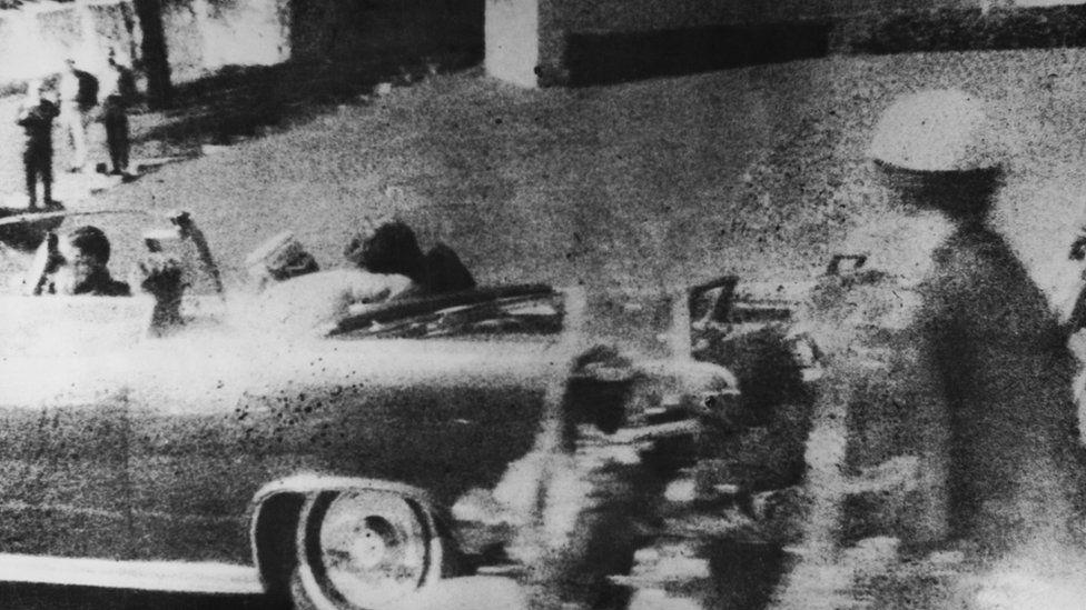 ডোনাল্ড ট্রাম্প বলেছেন কেনেডি হত্যার গোপন ফাইলগুলো প্রকাশ করা হবে