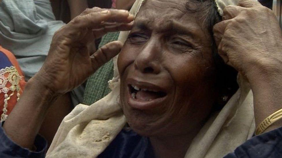ঢাকায় 'রোহিঙ্গা' বলে মিয়ানমারে তোপের...