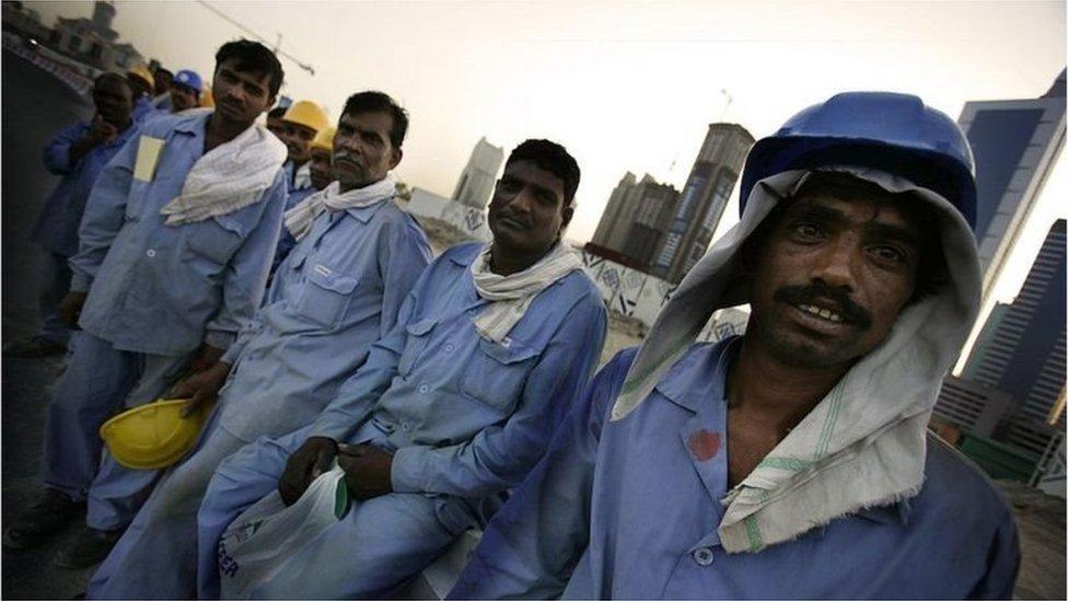 প্রবাসী শ্রমবাজার: যে সাতটি দেশে এখন বাংলাদেশি কর্মীরা সবচেয়ে বেশি যায়