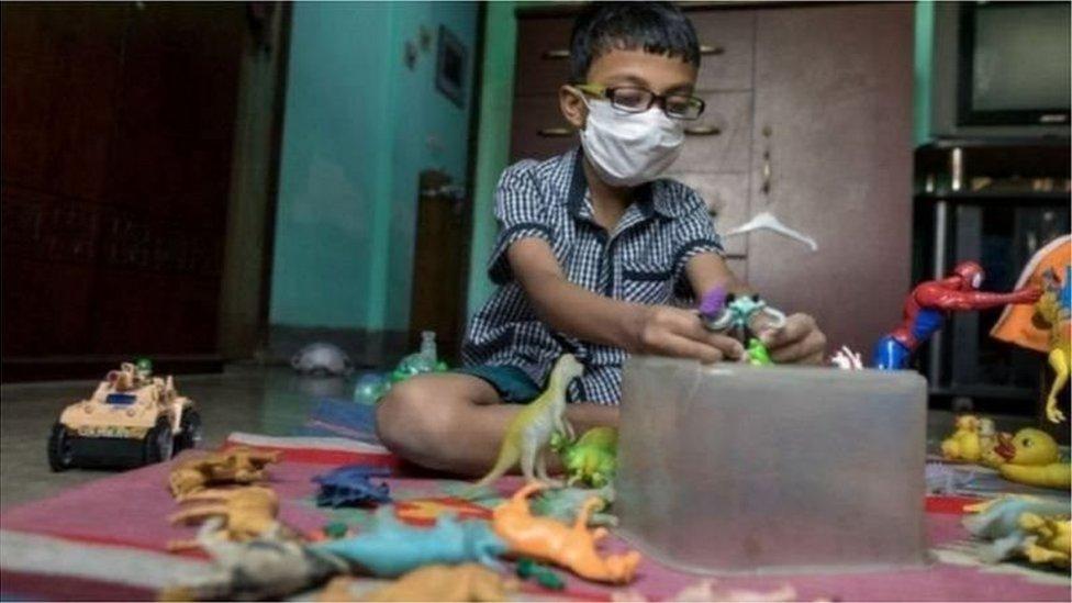করোনা ভাইরাস: শিক্ষা প্রতিষ্ঠান খোলার নীতিগত সিদ্ধান্ত, নিরাপত্তা নিশ্চিত করা হবে কিভাবে